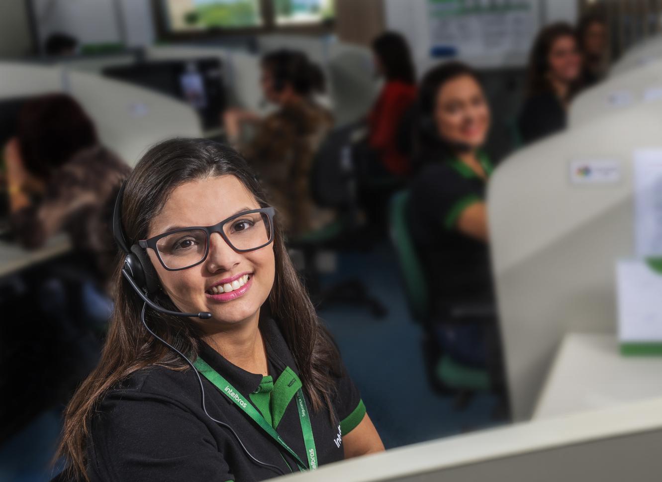 Call center da Intelbras / Foto: Intelbras (feita em 2018, antes da pandemia do coronavírus)