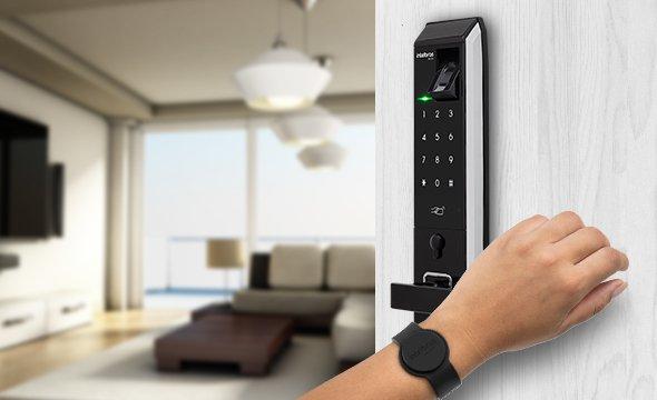 Compatível com fechaduras digitais