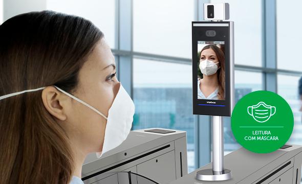 Precisão na leitura facial com máscara com Controlador de Acesso com Reconhecimento Facial Intelbras SS 7520 FACE T