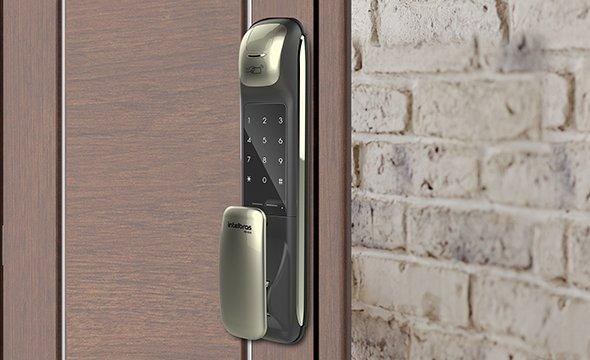 versatilidade-no-acesso-com-fechadura-digital