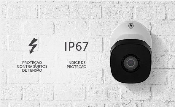 Câmera Intelbras na parede